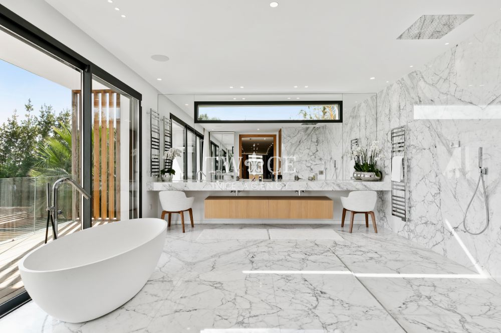 Marble_Bathroom_Sea_View_Villa_French_Riviera