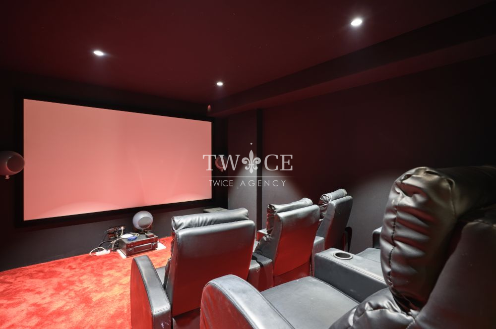 Private_Move_theatre_Cinema_Hall_Villa_Cannes